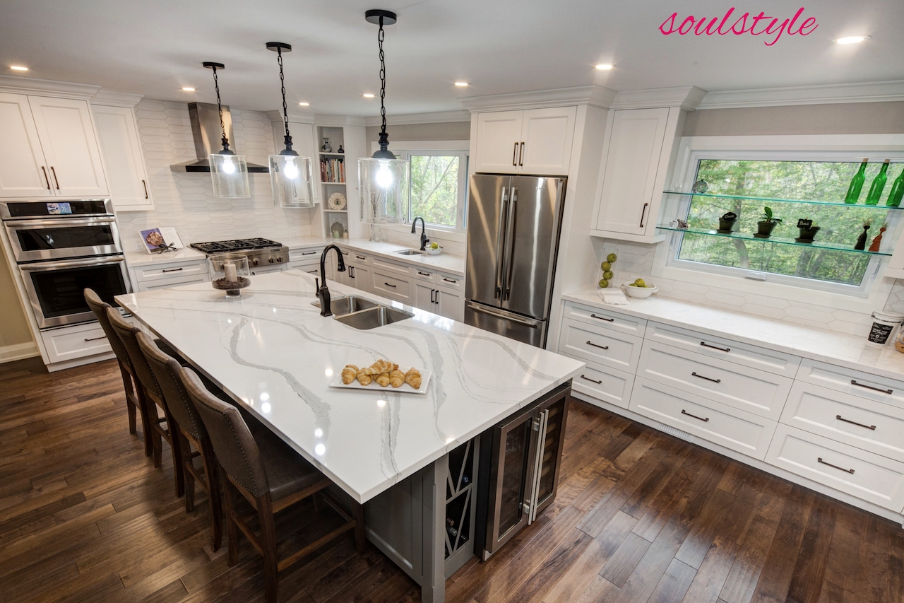 Kitchen Design Cambria Island Pendants