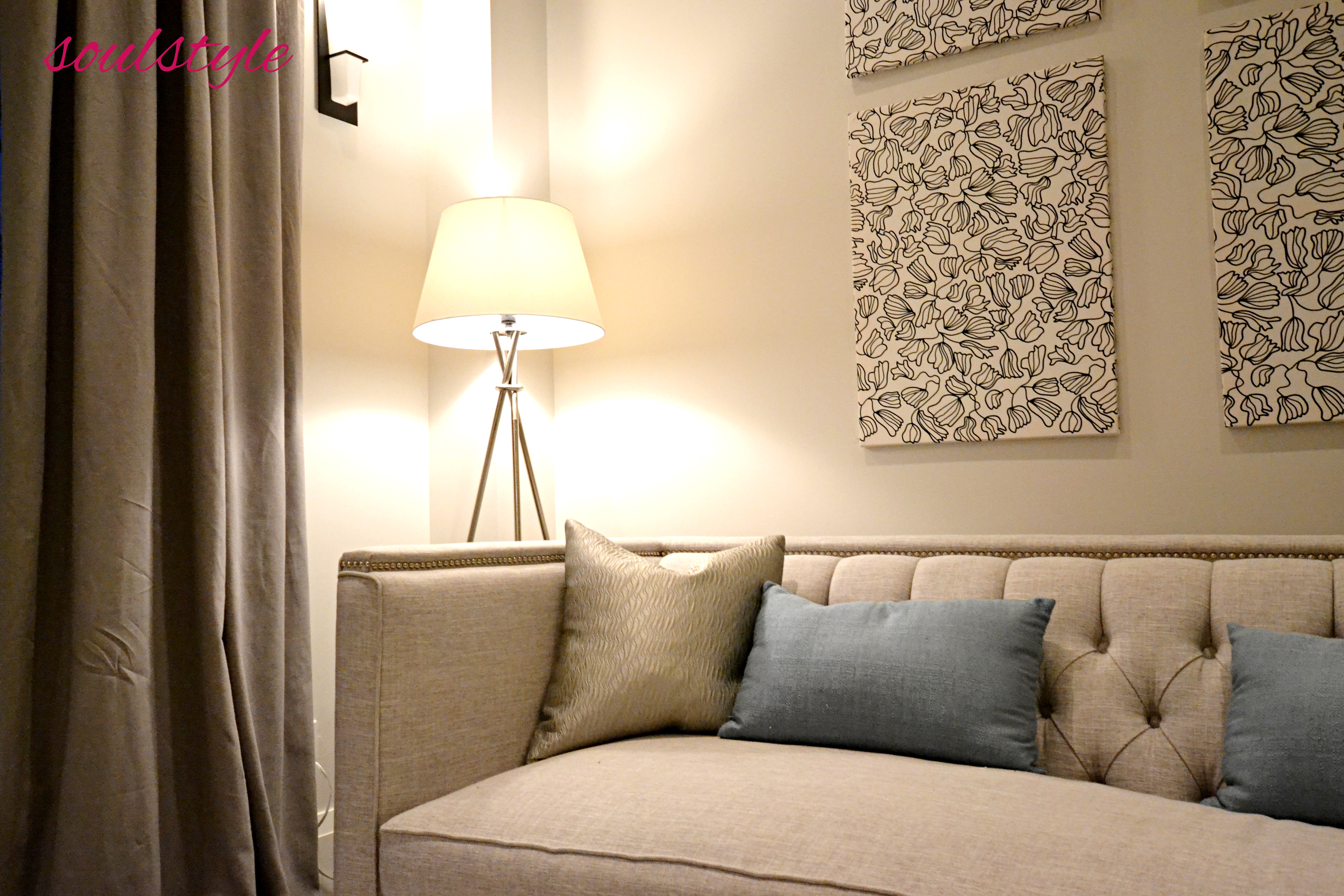 Sofa & Art
