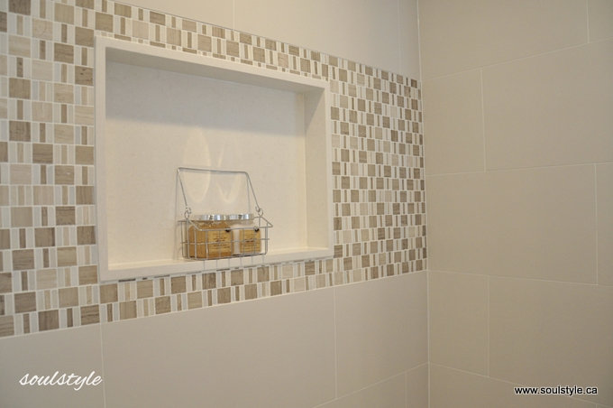 Quartz shower wall niche